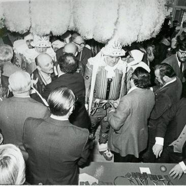 1981 - Remise des médailles à l'Administration Communale